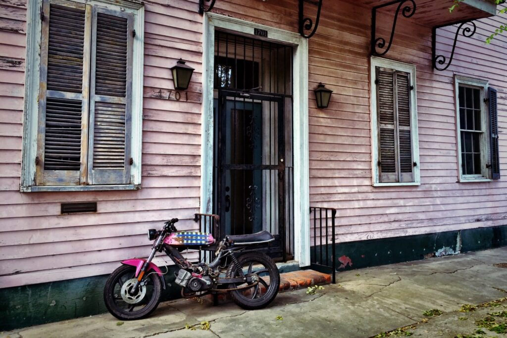 old house in New Orleans that needs work